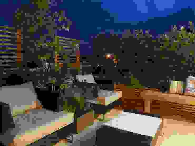 Balcones y terrazas de estilo mediterráneo de Paola Thiella Mediterráneo