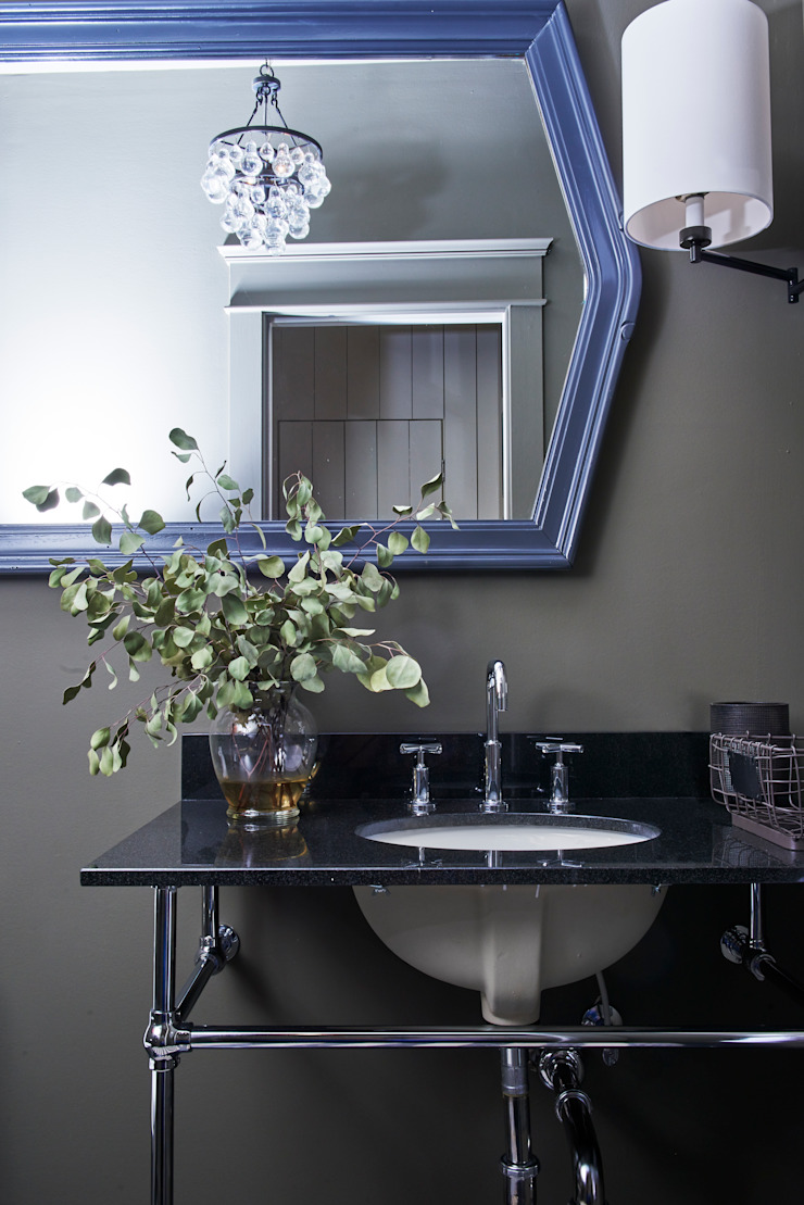 Be East Eclectic style bathroom by Pfeffer Torode Architecture Eclectic