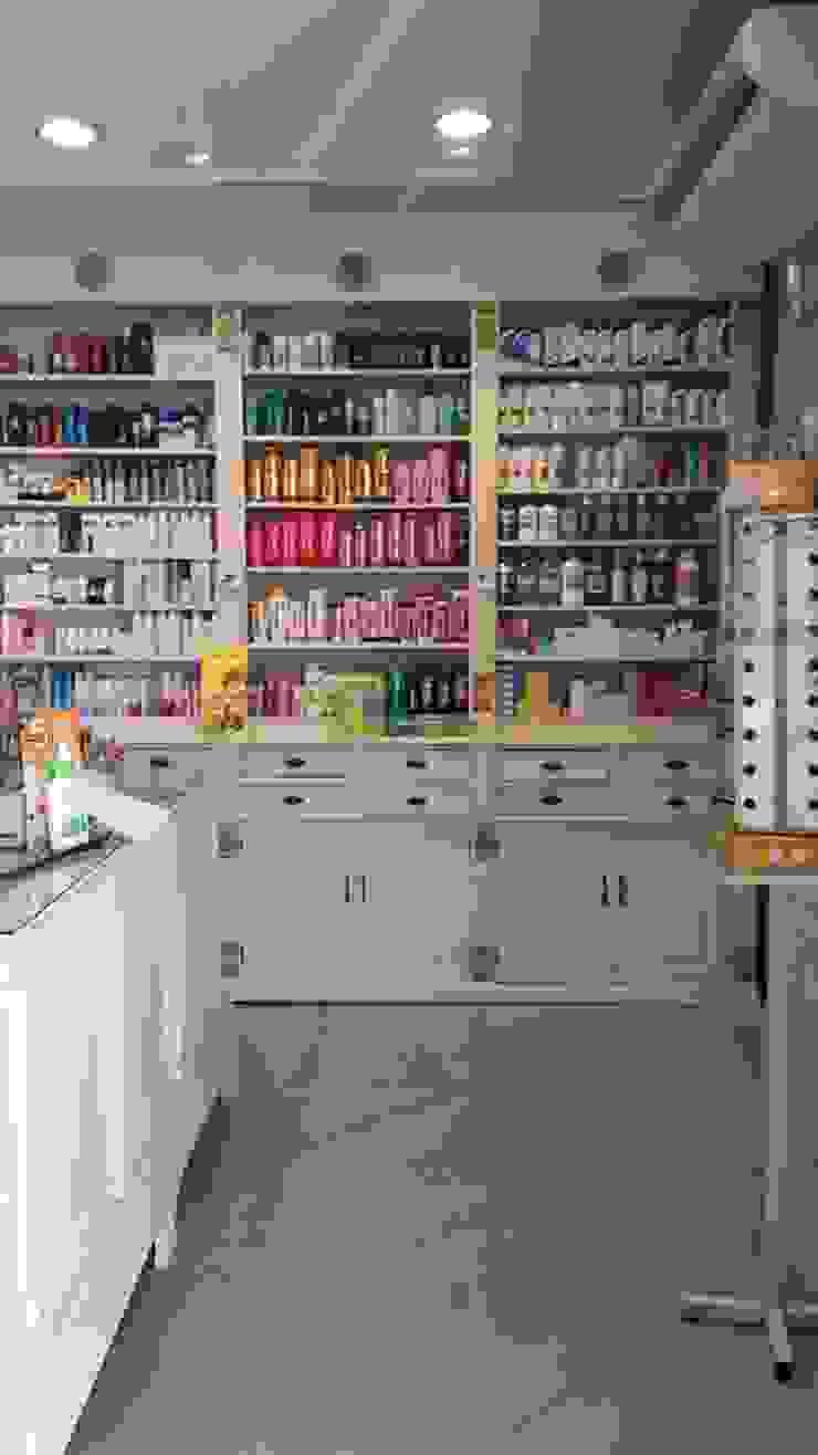 Detalles de mobiliario de Estudio Juarez Lico & Asoc. Clásico Madera maciza Multicolor