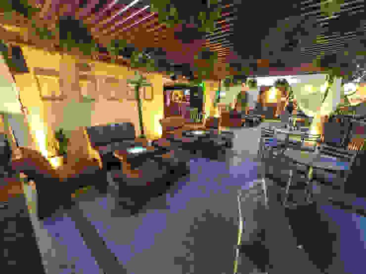 Habitá Estudio Creavtivo Balcones y terrazas de estilo rústico
