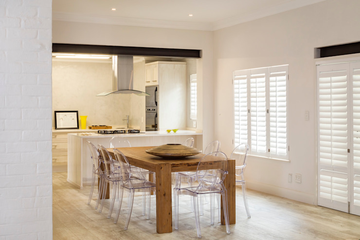New dining room Minimalist dining room by Deborah Garth Interior Design International (Pty)Ltd Minimalist