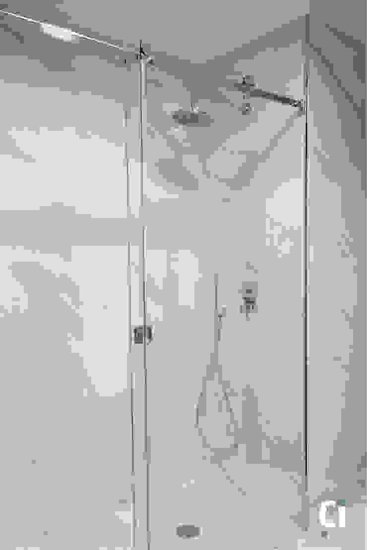 Zona de duche Casas de banho modernas por Ci interior decor Moderno