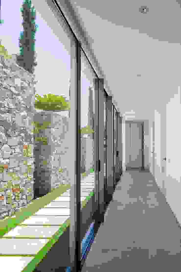 Mediterranean style windows & doors by GESTEC. Arquitectura & Ingeniería Mediterranean