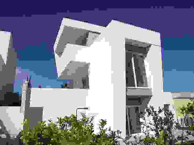 Mediterranean style house by GESTEC. Arquitectura & Ingeniería Mediterranean
