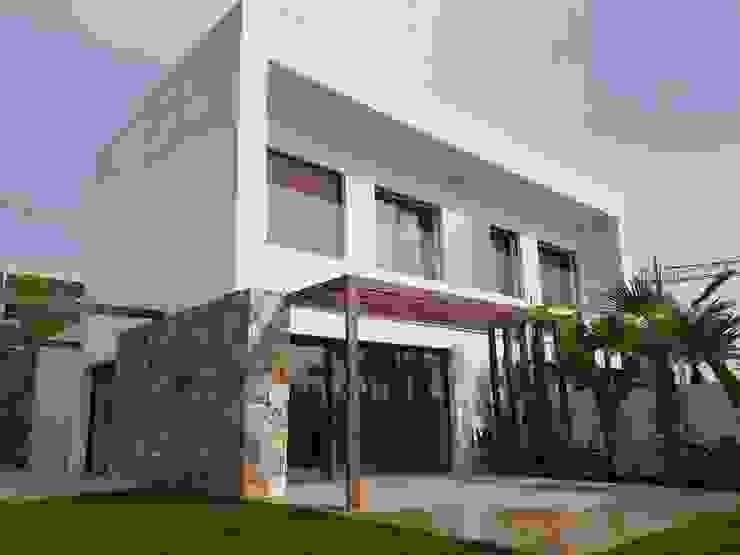 Casas de estilo mediterráneo de GESTEC. Arquitectura & Ingeniería Mediterráneo