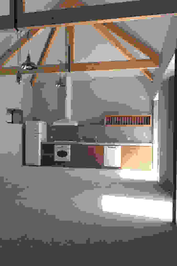 1010hrm Cozinhas clássicas por Jj Soares arquiteto Clássico