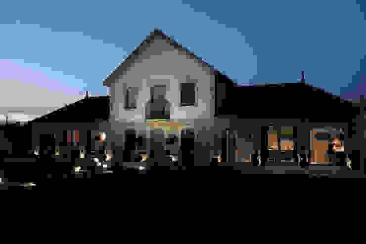 1010hrm Casas clássicas por Jj Soares arquiteto Clássico