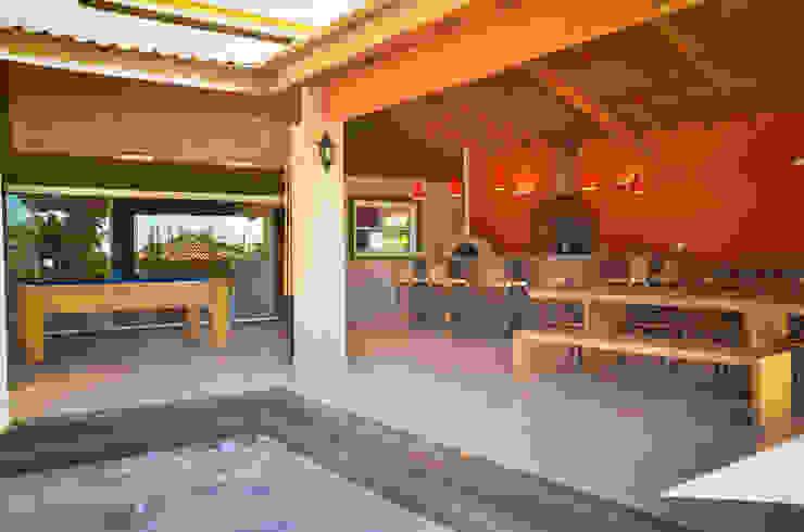 Varanda Rancho Paula Ferro Arquitetura Casas rústicas