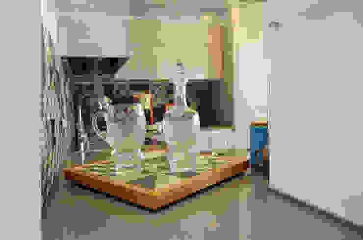 Cucina Kitchen Fabiola Ferrarello ห้องครัวตู้เก็บของและชั้นวางของ กระเบื้อง Grey