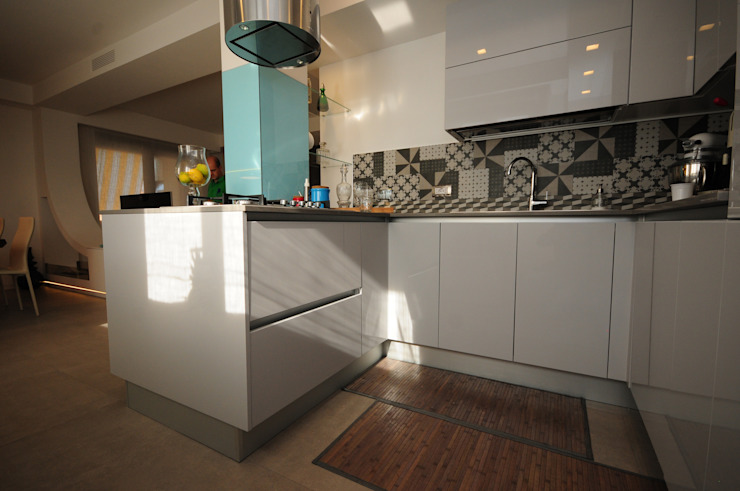 Kitchen by Fabiola Ferrarello architetto, Modern Concrete