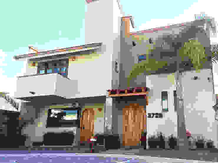 Mediterranean style house by Base-Arquitectura Mediterranean