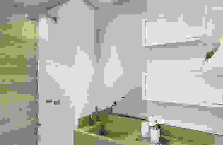 Banheiro Suíte Casas de banho modernas por JS Interiores Moderno