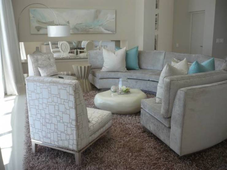 House Bantry Bay:  Living room by The Painted Door Design Company,