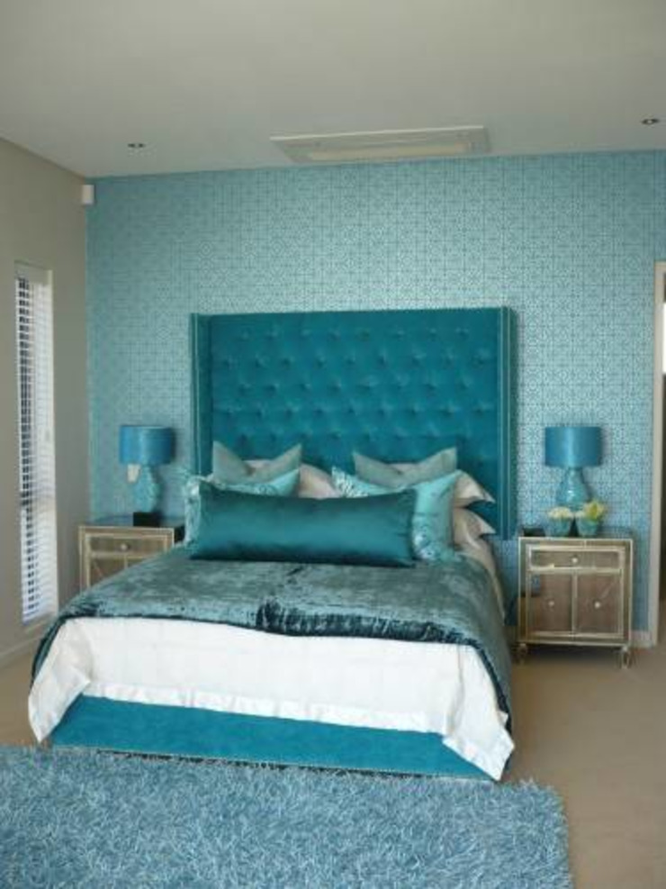 House Bantry Bay Minimalist bedroom by The Painted Door Design Company Minimalist