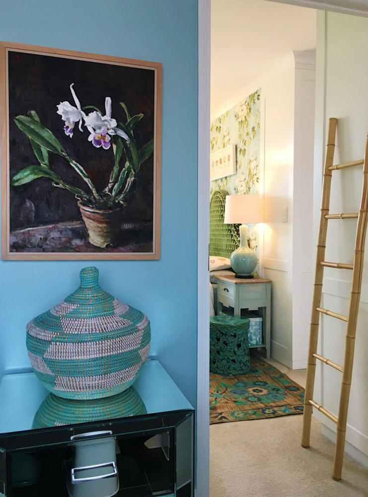 Eclectic style corridor, hallway & stairs by The Painted Door Design Company Eclectic