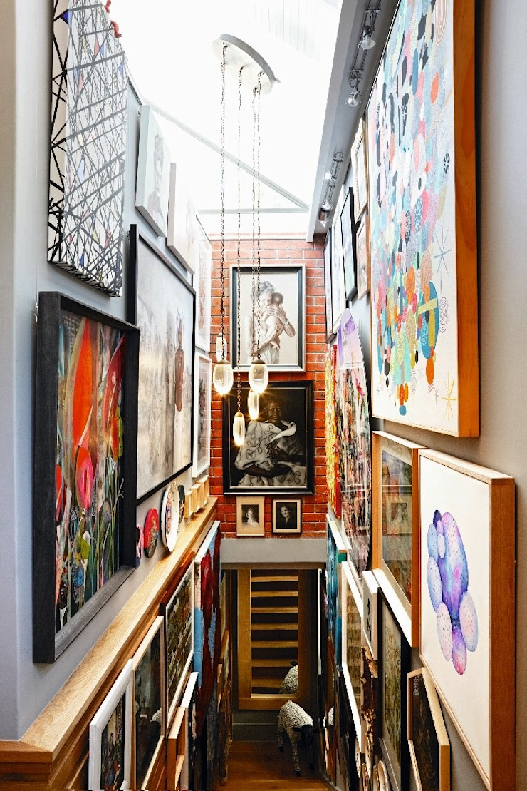 The Painted Door Design Company Corredores, halls e escadas ecléticos