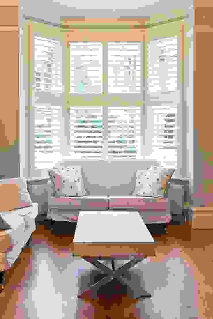 Mixed Photos Minimalist living room by Plantation Shutters Ltd Minimalist