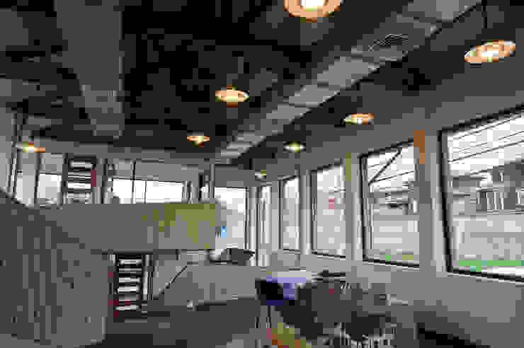 Oficinas ABN - Antiguo Matadero de Naritelli-Bravo Arquitectos Industrial Madera Acabado en madera