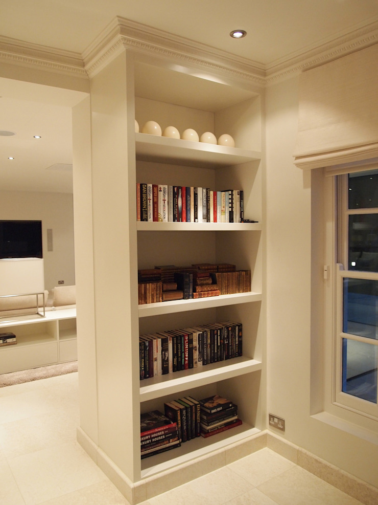 Bespoke 50mm Display, Audio Visual and storage units with LED's Designer Vision and Sound: Bespoke Cabinet Making SoggiornoArmadietti & Credenze