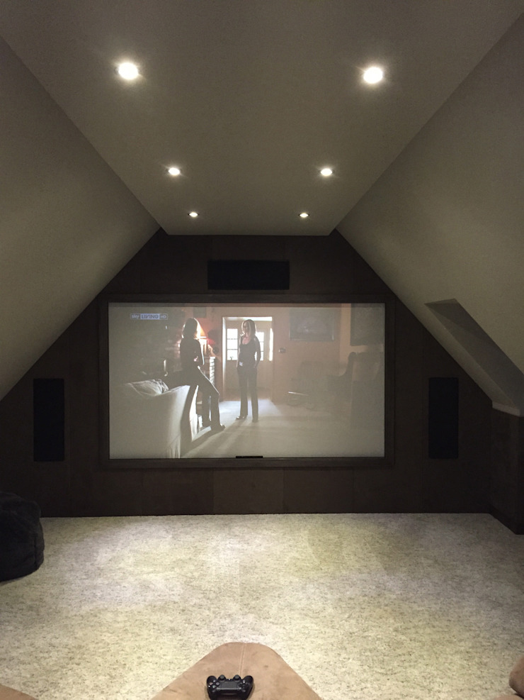Loft Cinema Room with fabric walls and LED lowered ceiling Designer Vision and Sound Медіа-зал