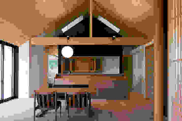 Phòng ăn phong cách châu Á bởi 窪江建築設計事務所 Châu Á
