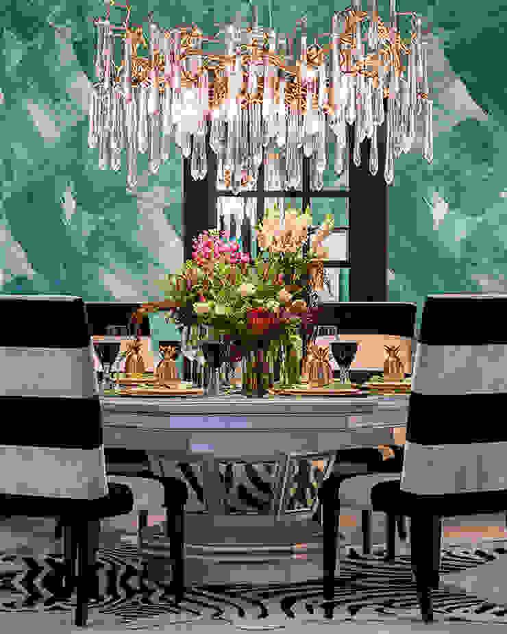 A Dashing Dazzler Modern dining room by Design Intervention Modern