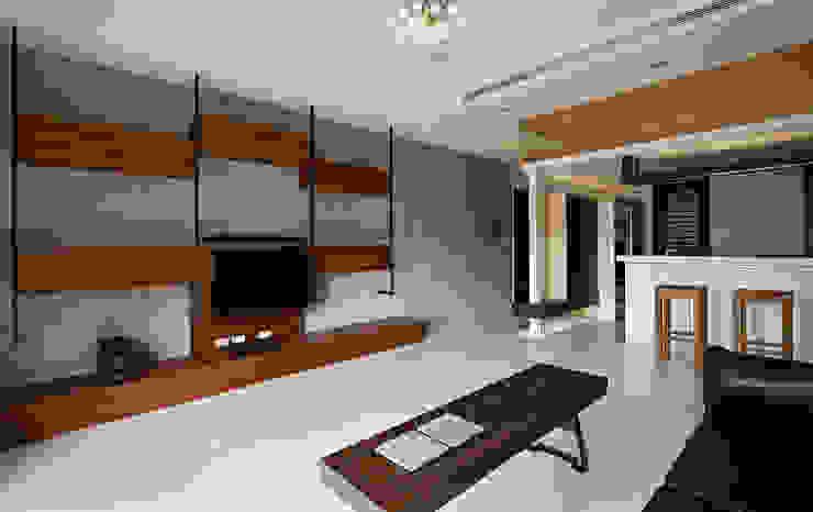 小坪數大空間簡約寧靜宅 Minimalist living room by 瓦悅設計有限公司 Minimalist
