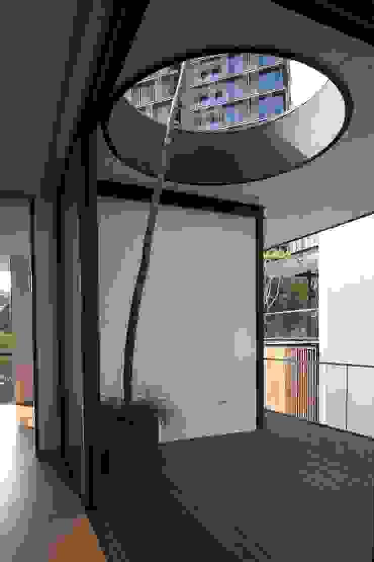 Paterson 3 Modern balcony, veranda & terrace by AR43 Architects Pte Ltd Modern