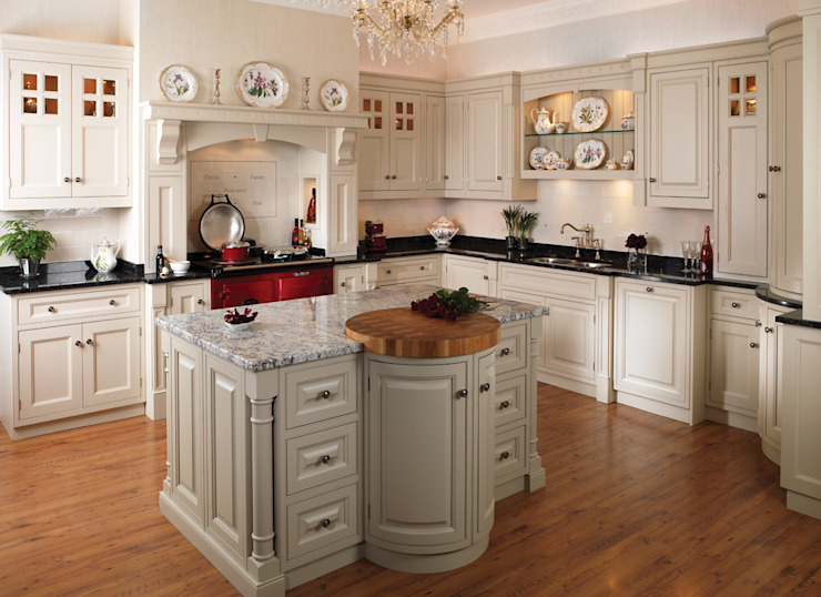 Aubade Bespoke Range Country style kitchen by Hehku Country
