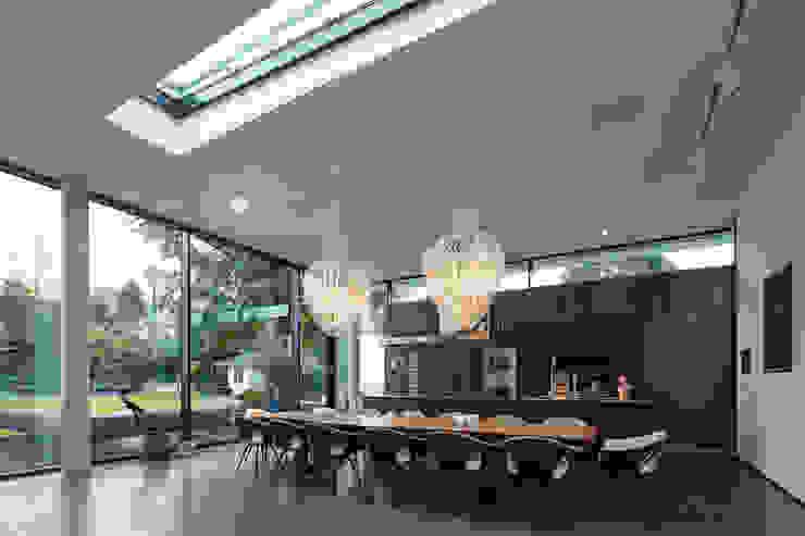 Moderne eetkamers van Lioba Schneider Modern