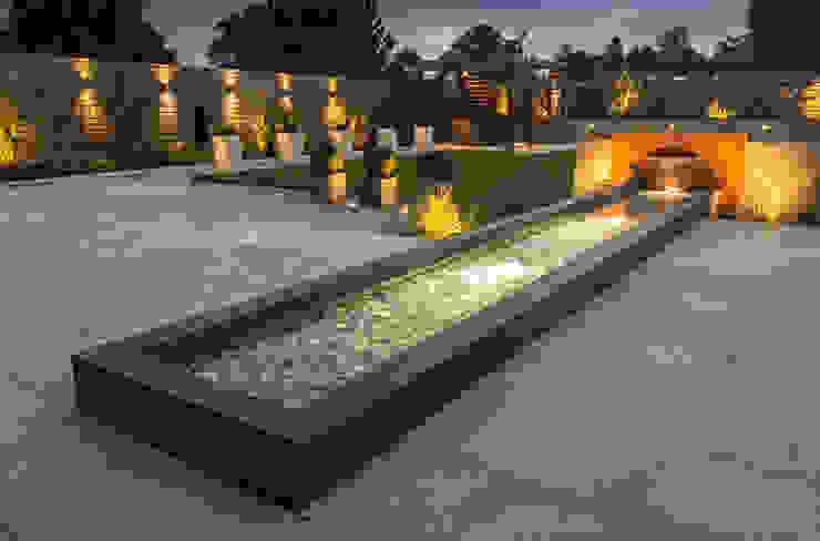 A contemporary industrial garden de Robert Hughes Garden Design Minimalista