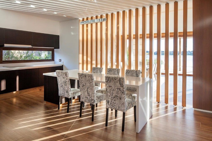 Modern Dining Room by CIBA ARQUITECTURA Modern