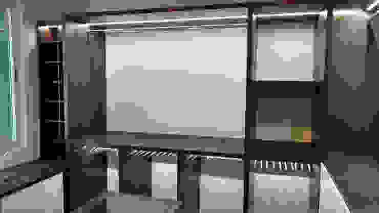 closet Vestidores modernos de DUOBUS M + L arquitectos Moderno