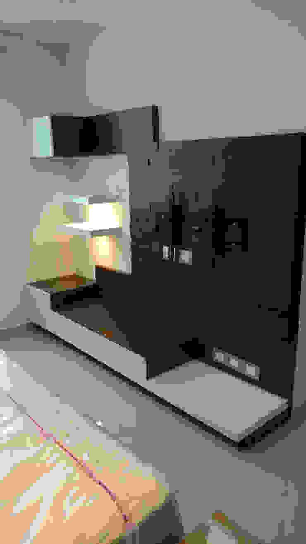 int. recamara Dormitorios modernos de DUOBUS M + L arquitectos Moderno