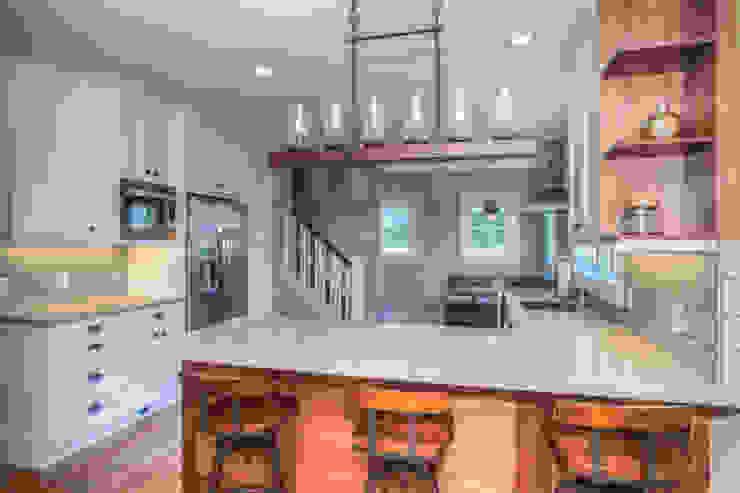 Cozy Bungalow Dahl House Design LLC Kitchen