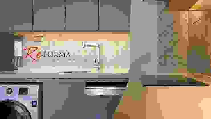 Modern kitchen by Reforma Arquitectura SpA Modern