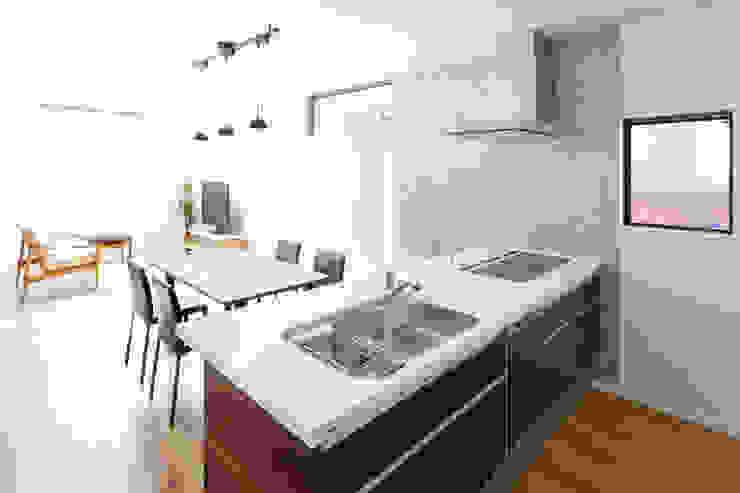 Cuisine moderne par ナイトウタカシ建築設計事務所 Moderne