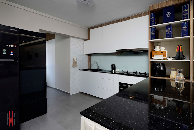 Modern Scandinavian HDB Apartment Modern kitchen by HMG Design Studio Modern Wood Wood effect