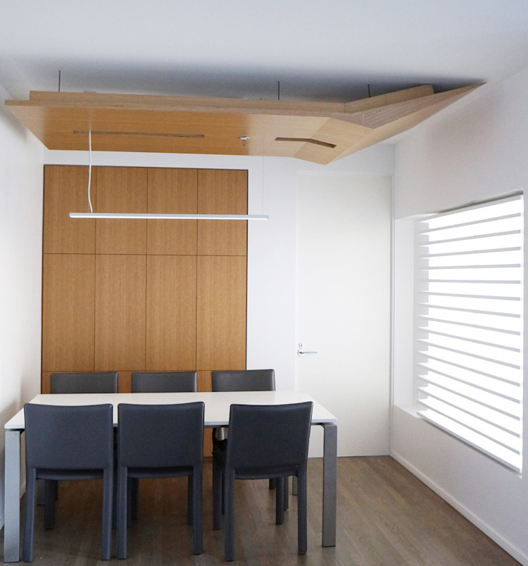 Brooklyn Gut Renovation Minimalist dining room by Atelier036 Minimalist Wood Wood effect