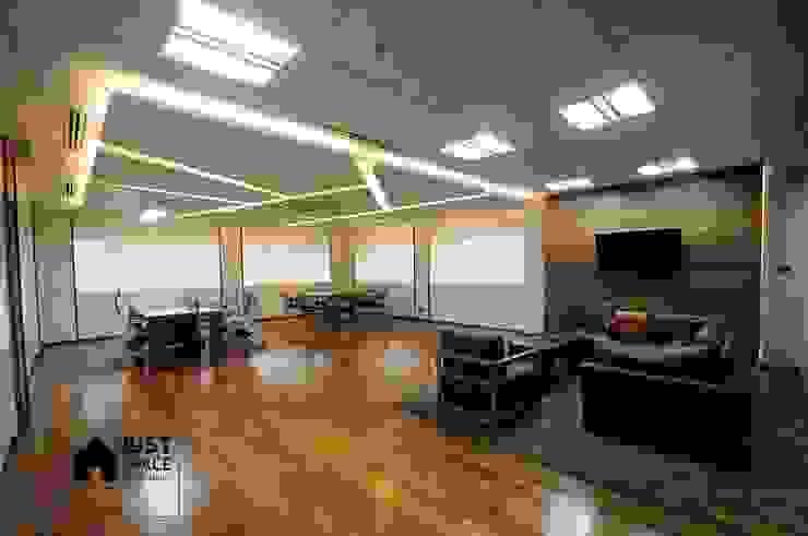 BAM's Exclusive Pre Function: ทันสมัย  โดย JustSpace Design Studio, โมเดิร์น
