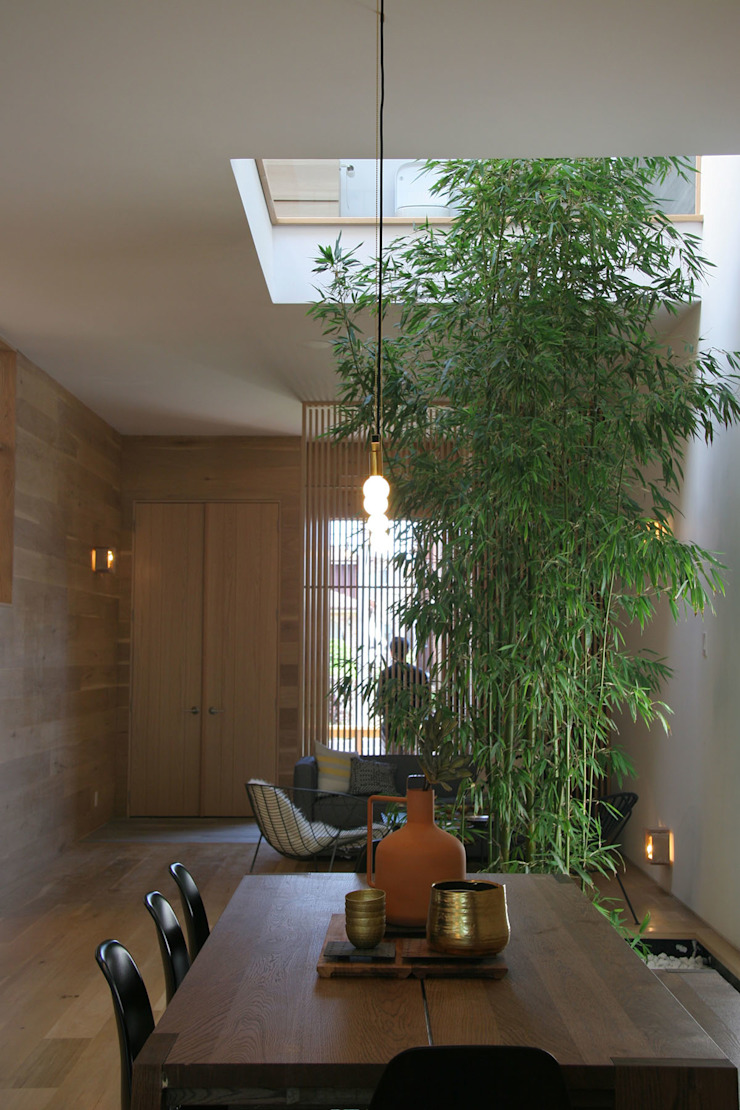 Central Courtyard Modern Corridor, Hallway and Staircase by AtelierSUN Modern Engineered Wood Transparent