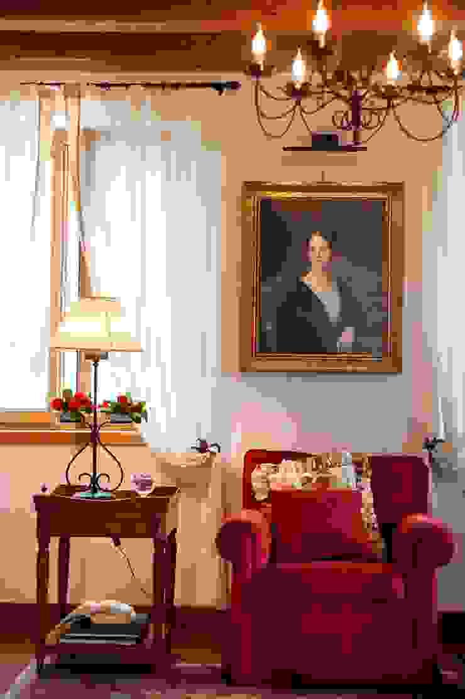 STUDIO CERON & CERON Classic style living room
