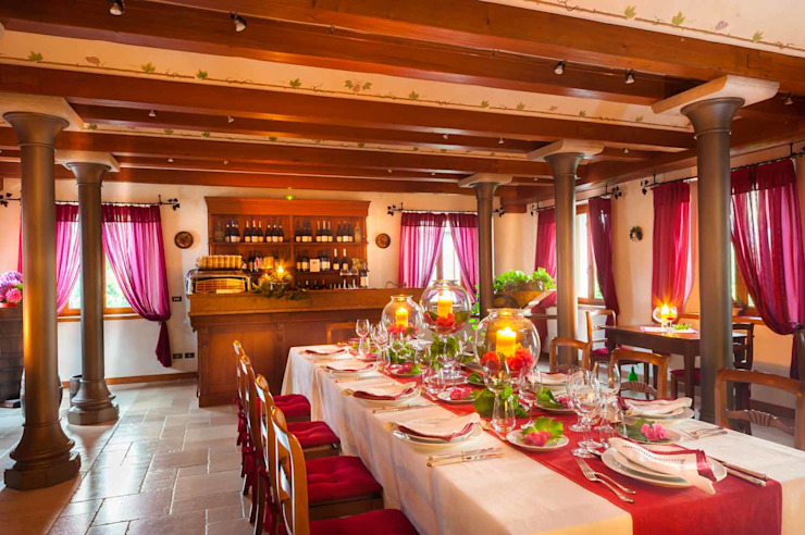 Dining room by STUDIO CERON & CERON,
