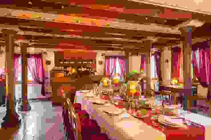 STUDIO CERON & CERON Classic style dining room