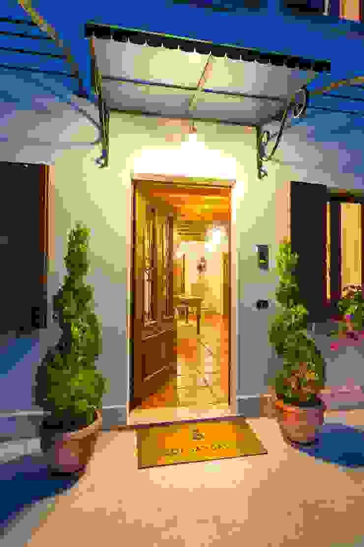 STUDIO CERON & CERON Classic style houses