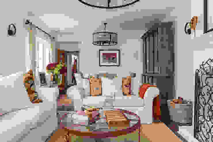 Livings de estilo  por The White House Interiors
