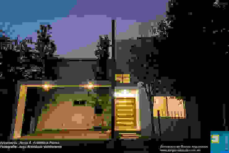 FACHADA PRINCIPAL Casas modernas de Excelencia en Diseño Moderno