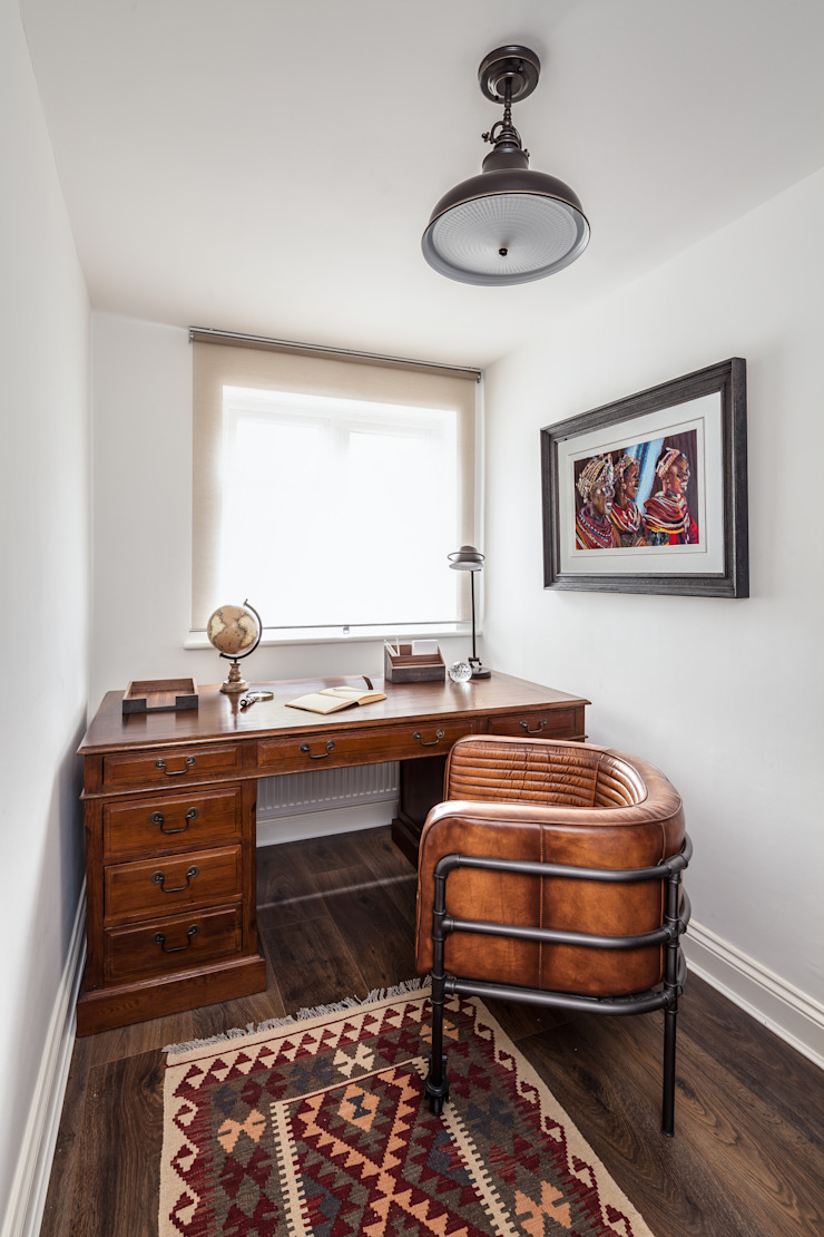 Study The White House Interiors Rustic style study/office