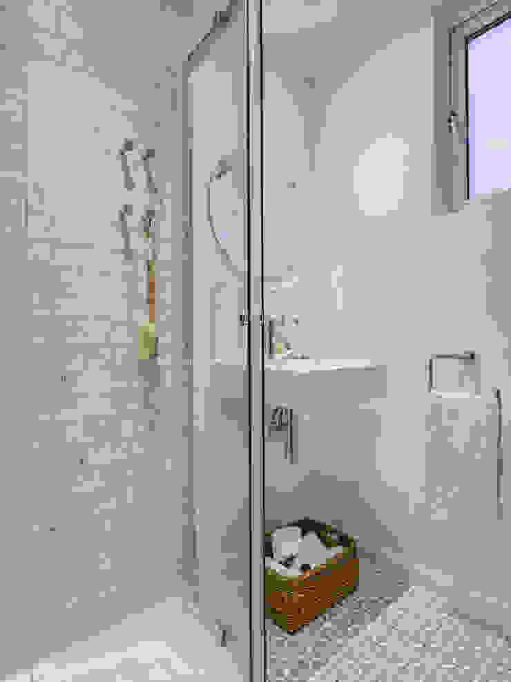 Bathroom The White House Interiors Modern bathroom
