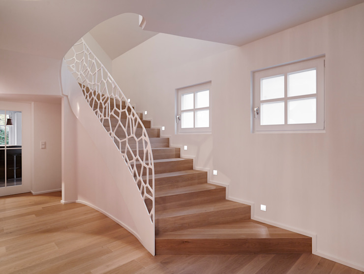 EeStairs | Stairs and balustrades Modern corridor, hallway & stairs Wood